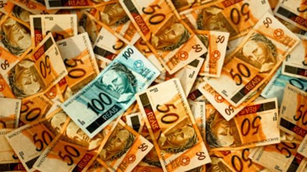Receita Federal mira indústrias de cosméticos para arrecadar R$ 2 bi