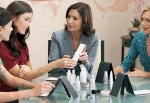 Mercado brasileiro de vendas diretas abre espaço para novos empreendedores na área de cosméticos
