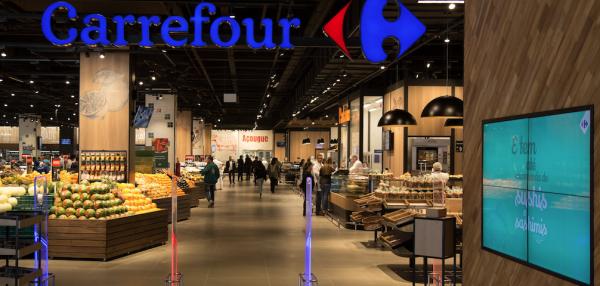 Arnault decide vender fatia no Carrefour