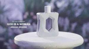 Lançamento da fragrância 'Clean' de Ariana Grande – Deus é uma mulher